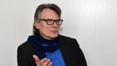 Thomas Hentschel von den Grünen, Mann mit blauem Hemd