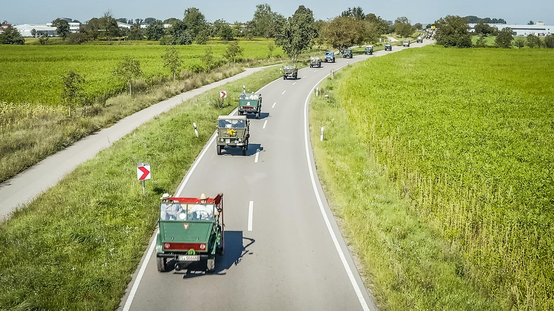 Ein rollendes Museum, bestehend aus rund 75 Fahrzeugen sämtlicher Unimog-Baureihen, präsentierte am Samstag die bewegte Geschichte eines legendären Fahrzeuges.