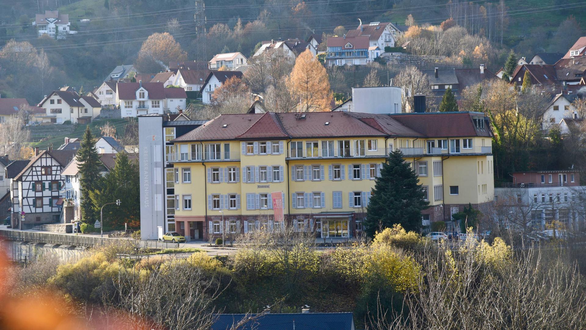 Das Krankenhaus in Forbach wird zum Pflegeheim umgestaltet. Die Sozialstation Forbach-Weisenbach beteiligt sich mit einer Tagespflege.