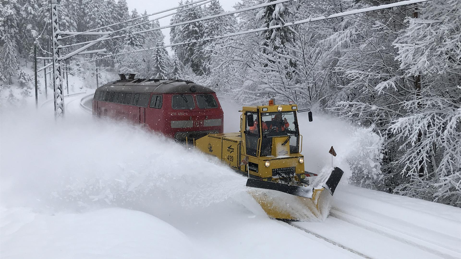 Schneeräumen mit der Bahn