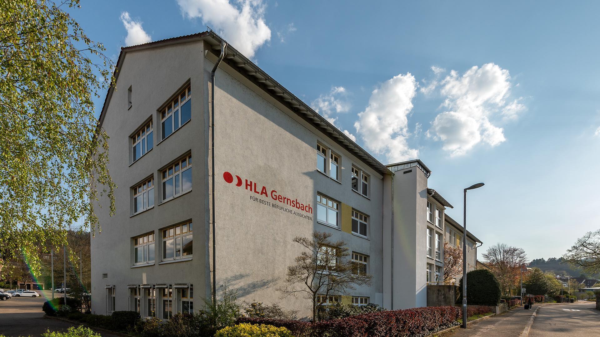 Im Mittelpunkt des Schlagabtauschs: Der Fortbestand der Handelslehranstalt in Gernsbach ist ungewiss. Die Schülerzahlen sinken seit Jahren.