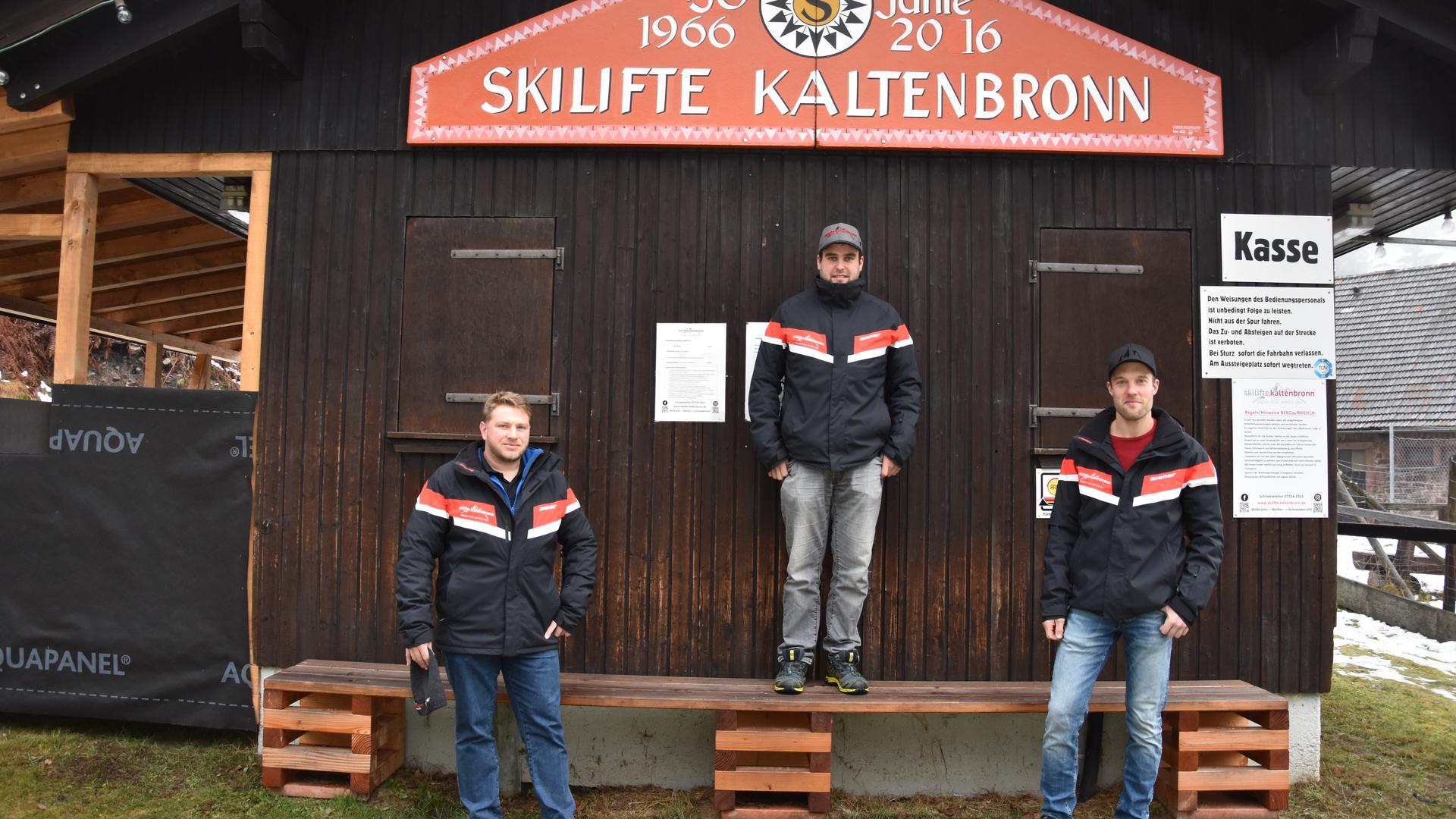 Sven Schlegel, Marc Bopp und Jens Kleinert (von links) am Skilift Kaltenbronn