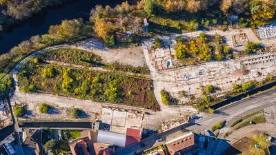 Das Baugebiet Wörthgarten in Gernsbach, auch bekannt als Pfleiderer-Areal, soll zum Geschäfts- und Wohnquartier umgestaltet werden.