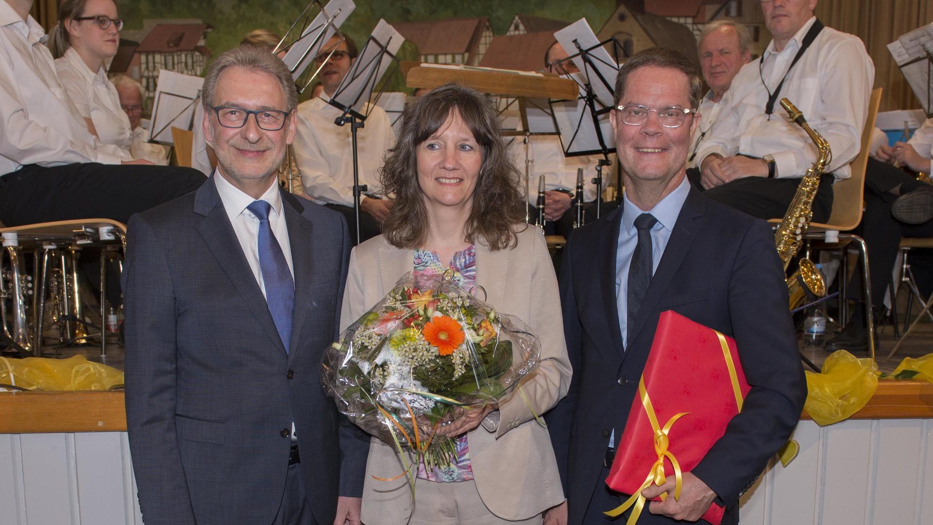 Vor dem Stabwechsel: Landrat Jürgen Bäuerle (links) mit Amtsnachfolger Toni Huber und dessen Gattin Silke.