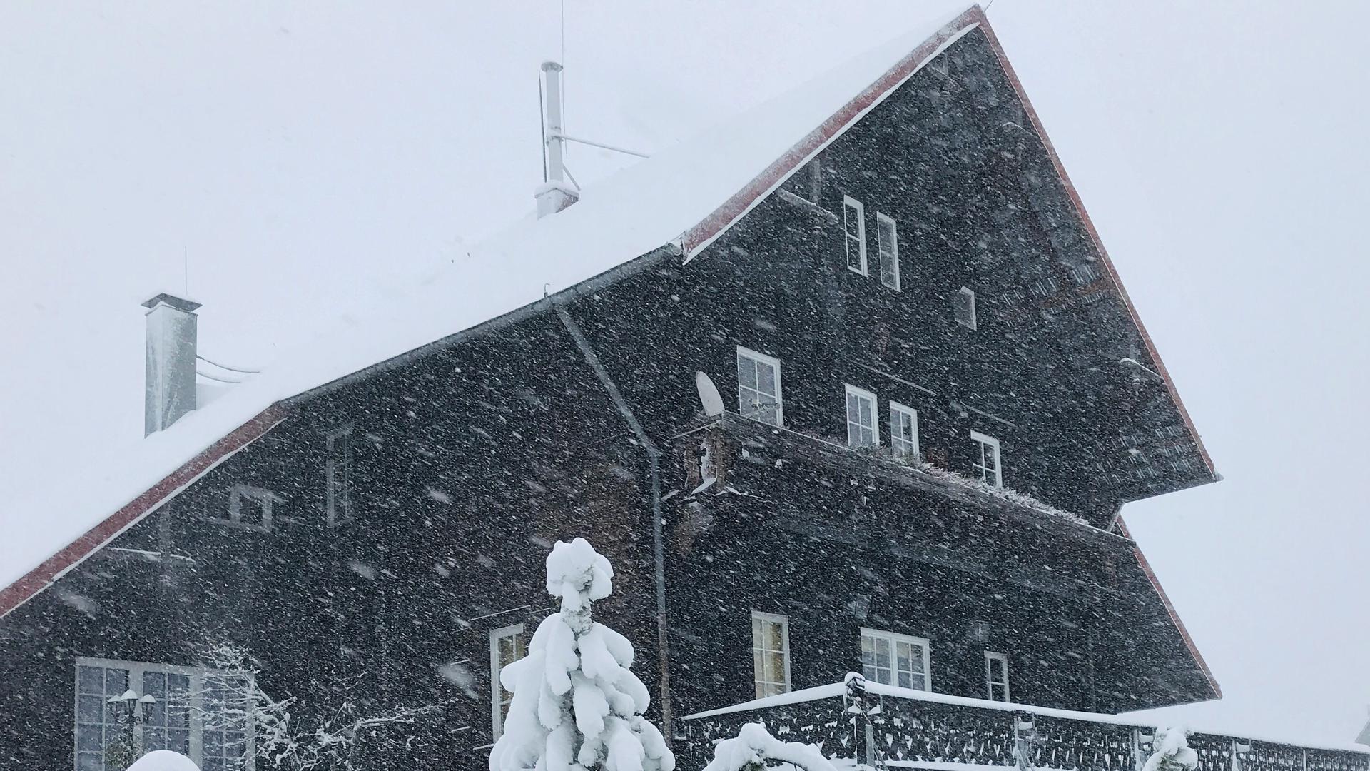 Im Gernsbacher Höhenstadtteil Kaltenbronn hat der Winter am ersten Weihnachtsfeiertag Einzug gehalten.