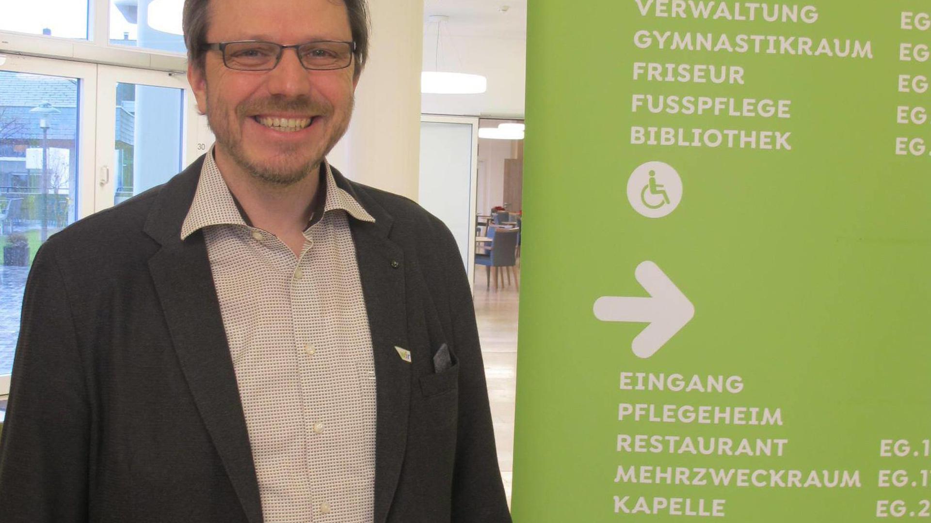 Der Geschäftsführer der Gaggenauer Altenhilfe, Peter Koch, warnt davor, dass das derzeitige System der Pflegefinanzierung gegen die Wand läuft und spricht sich für eine grundlegende Reform aus.
