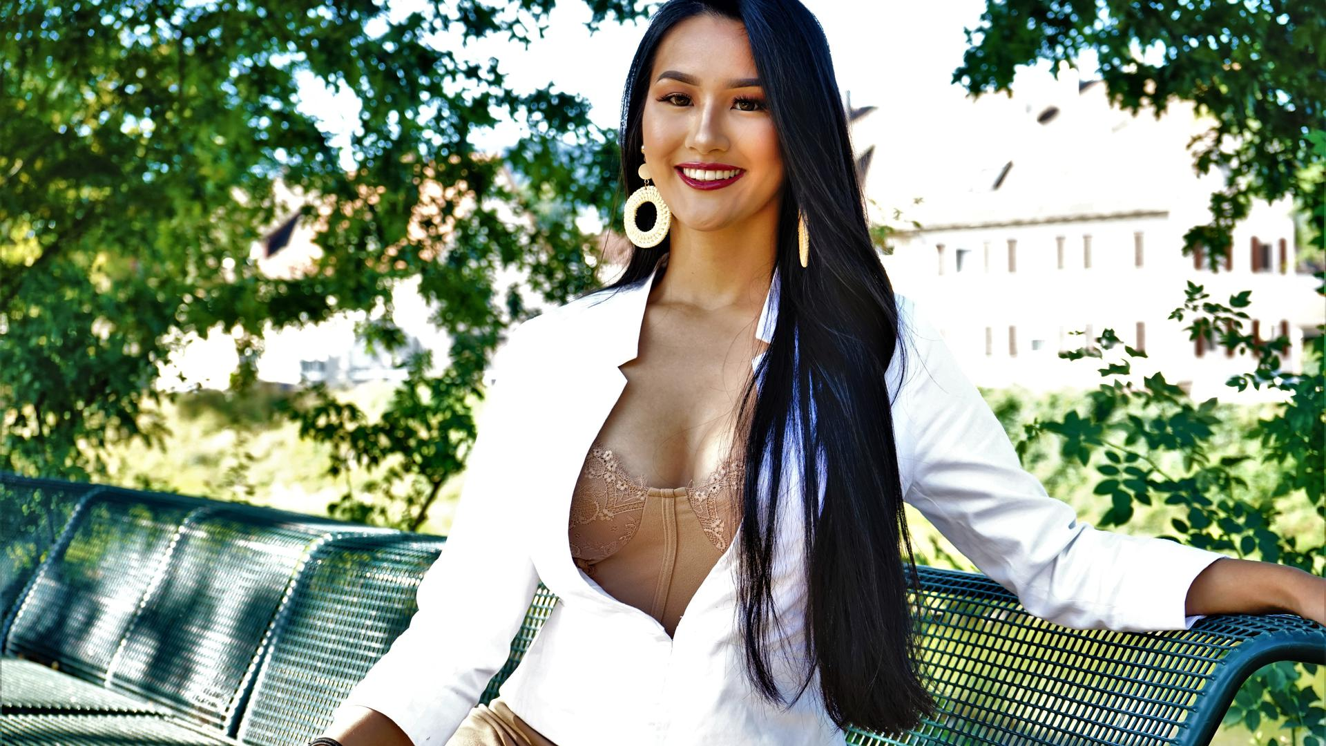 Lalaine Mahler aus Loffenau nimmt im Oktober 2019 in Venezuela an einem Schönheitswettbewerb Miss Grand International teil. Die 19-Jährige hat 2018 begonnen, bei solchen Wettbewerben teilzunehmen. Sie berichtet von ihren Erfahrungen und dem, was ihr im Oktober bevorsteht. Bild im Murgpark Gaggenau