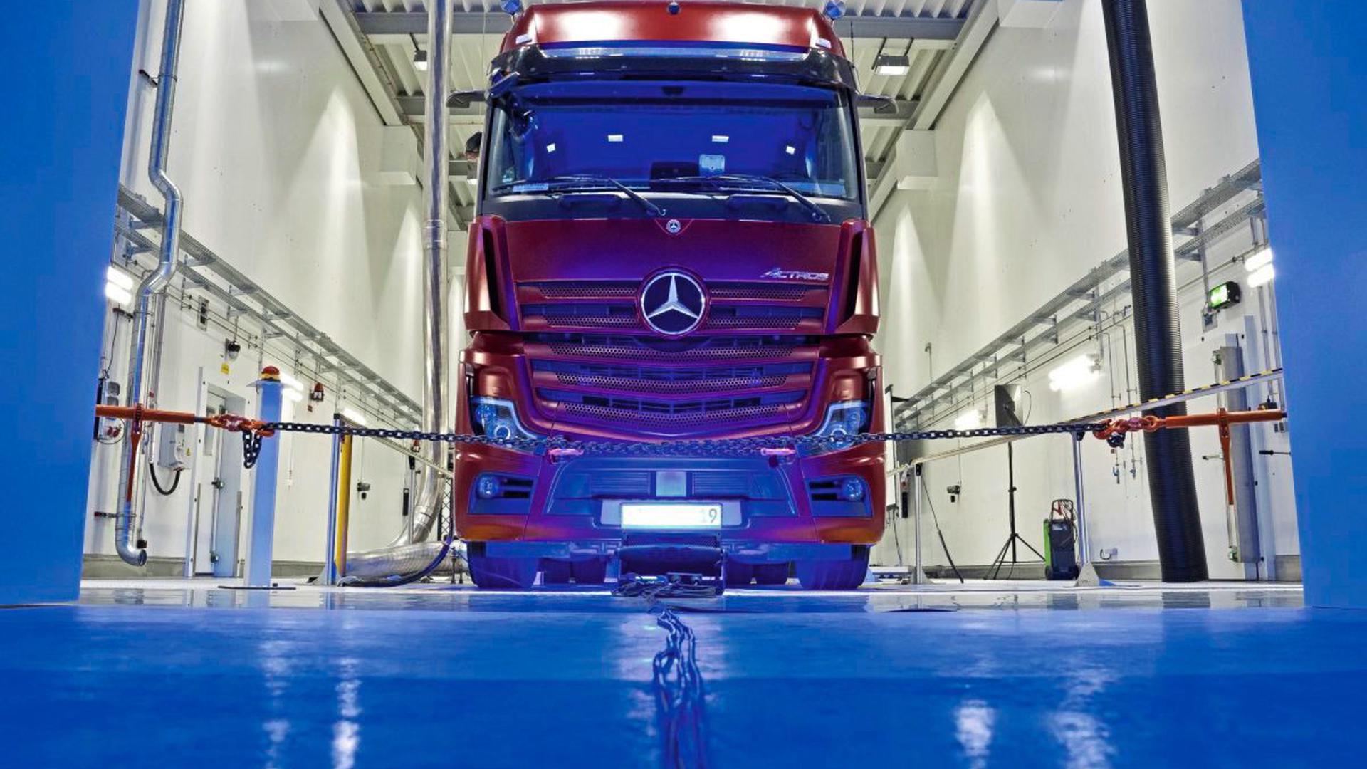 Die Lkw-Produktion im pfälzischen Wörth startet wieder.
