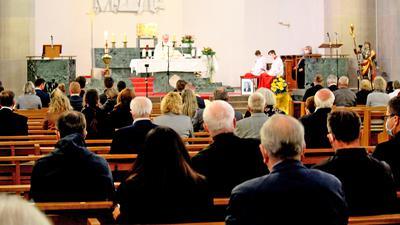 Seelenamt in St. Wendelin: Knapp 170 Menschen nahmen am Sonntag in der Weisenbacher Pfarrkirche Abschied von Toni Huber. Der frühere Bürgermeister und Landrat starb Ende Mai.