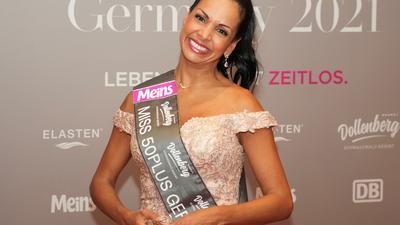 """Botschafterin der Frauen ab 50: Marielena Aponte aus Frankfurt gewann die Wahl zur """"Miss50plus Germany"""" . Die Show wurde im Internet live aus dem Hotel Dollenberg in Bad-Peterstal-Griesbach übertragen."""