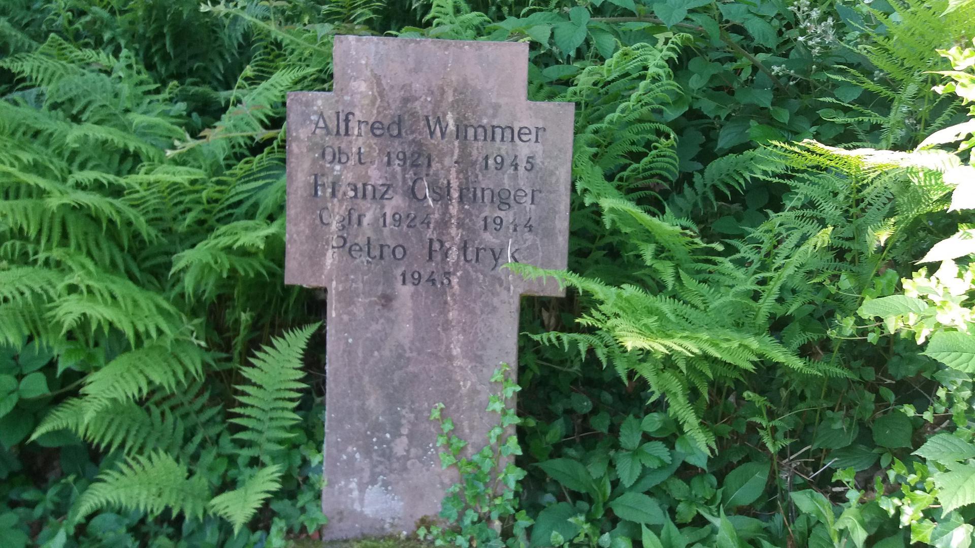 das Grab des polnischen Zwangsarbeiters Petro Petryk auf dem Friedhof in Sasbachwalden
