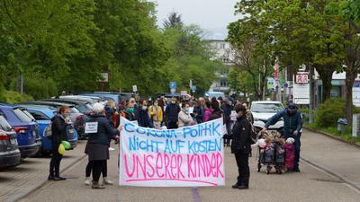 Demo gegen Test- und Maskenpflicht für Kinder am 1. Mai 2021 in Achern