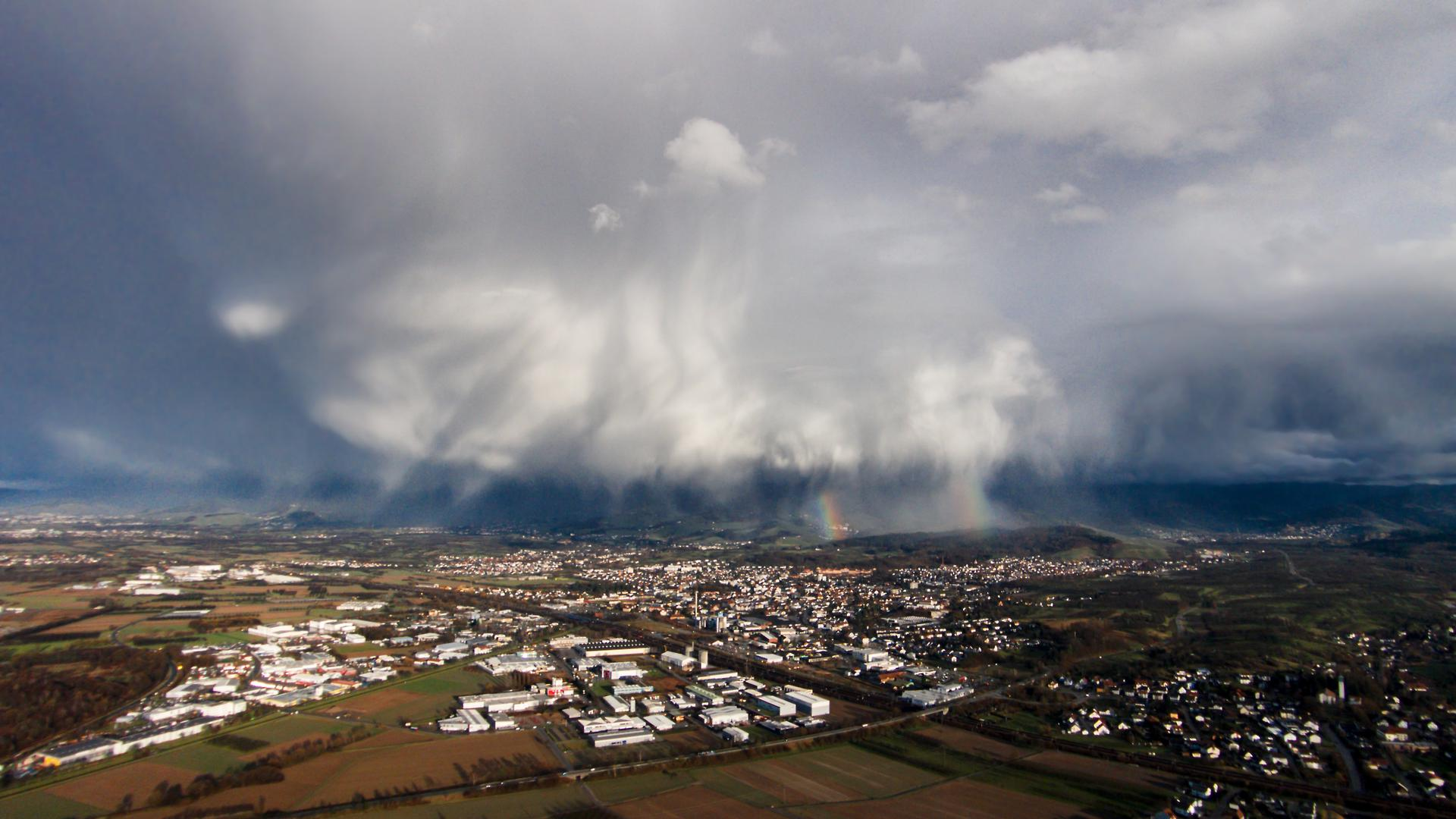 Luftbild Achern Wolke Schauer Regenbogen aus 150 Metern Höhe mit Quadrocopter fotografiert