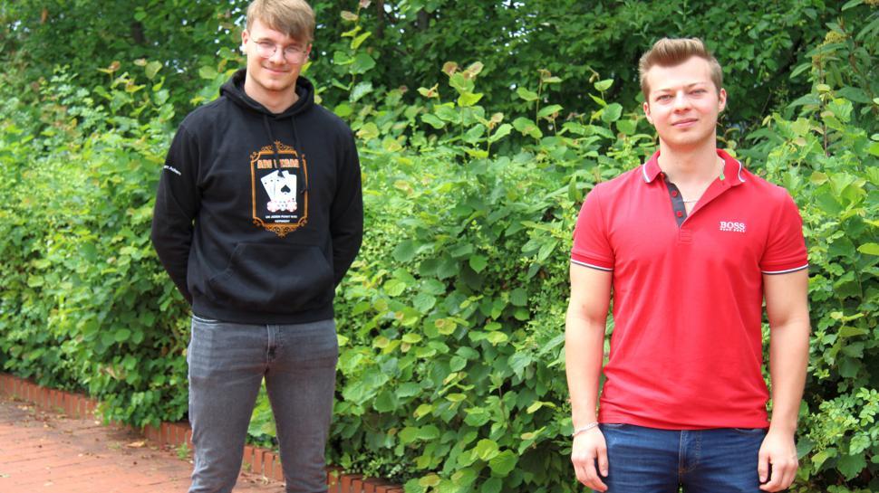 Die Acherner Abiturienten Lucas Ehinger und David Topchiev