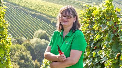 Michaela Bross ist Vorsitzende der Landfrauen in Oberachern. Gemeinsam mit einigen ihrer Mitstreiterinnen möchte sie nun den befreundeten Landfrauen im von der Hochwasser-Katastrophe betroffenen Ahrweiler bei der Weinlese helfen. Foto: Michael Brück