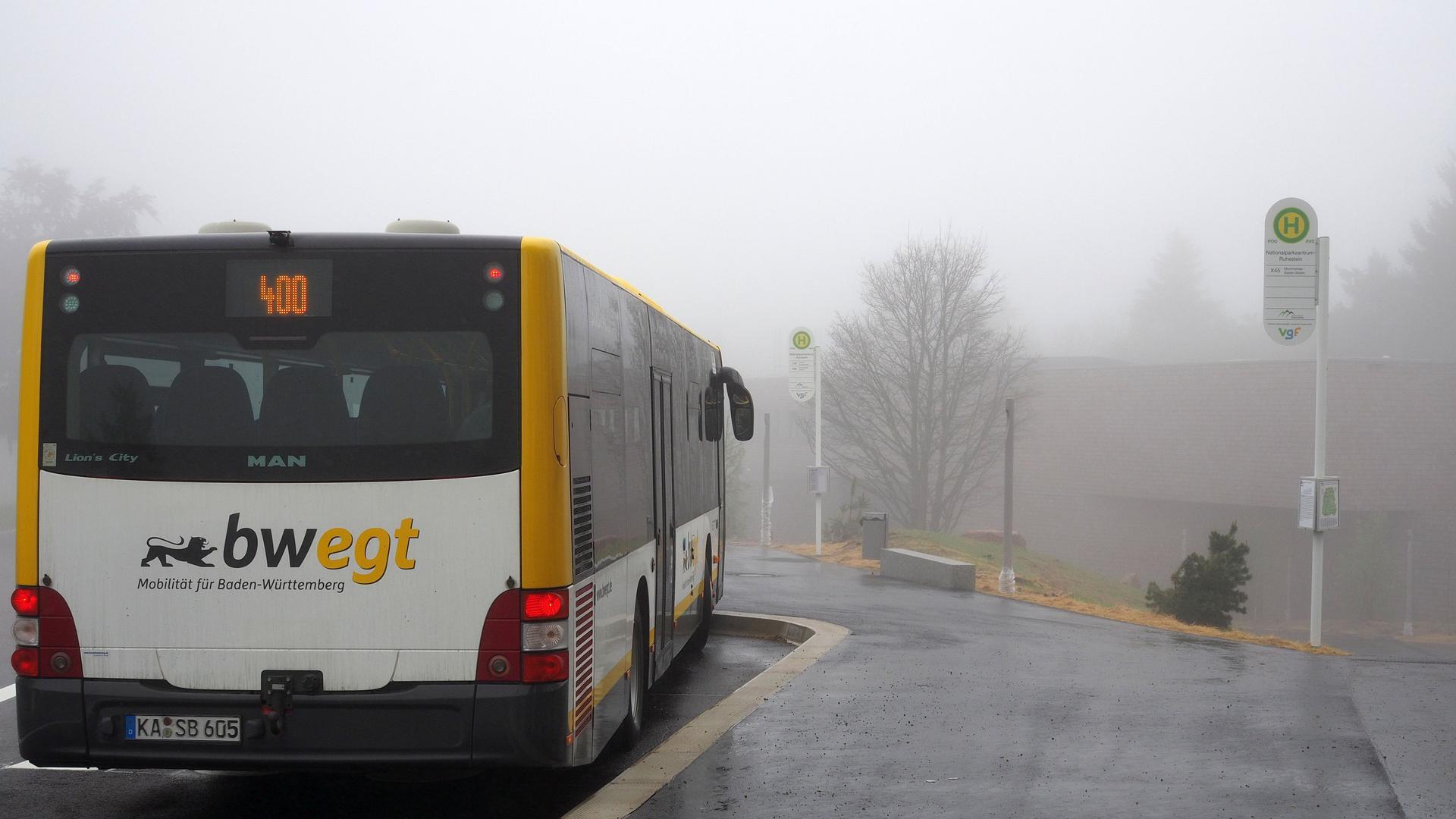 Bus 400 am Nationalparkzentrum Ruhestein
