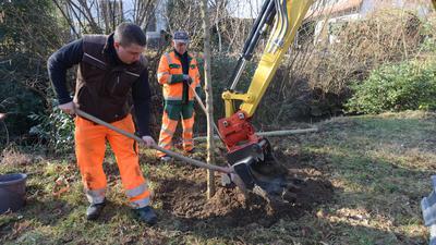 Bauhof Achern Mitarbeiter Michael Skowronek (32) und Juriq Pigalew (64)