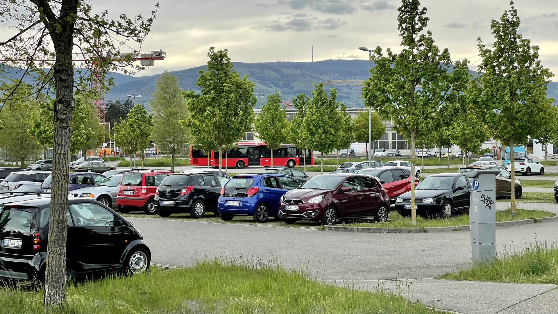 Pendler-Parkplatz in Achern / Blick zur Hornisgrinde