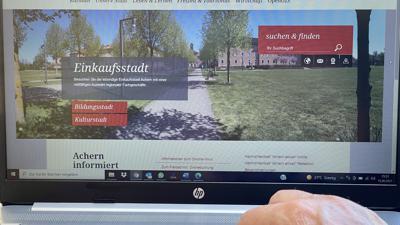 """Der Internetauftritt der Stadt Achern ist nur ein Schritt auf dem Weg zur digitalen Verwaltung. Experten sprechen von einem """"Kraftakt""""."""