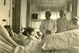 Blick in den Krankensaal: die ehemalige Liegehalle im Acherner Krankenhaus um 1940