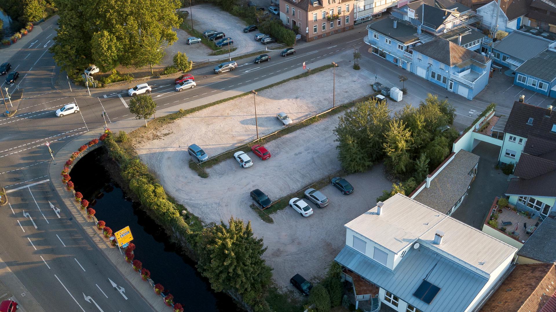 """Neue Aufteilung: Auf der Nordseite des Areals """"Lammbrücke"""" (oben im Bild) sollen sich Einzelhanel, Dienstleistung und Wohnunen konzentrieren, auf der Südseite Parkhaus und Gastronomie."""