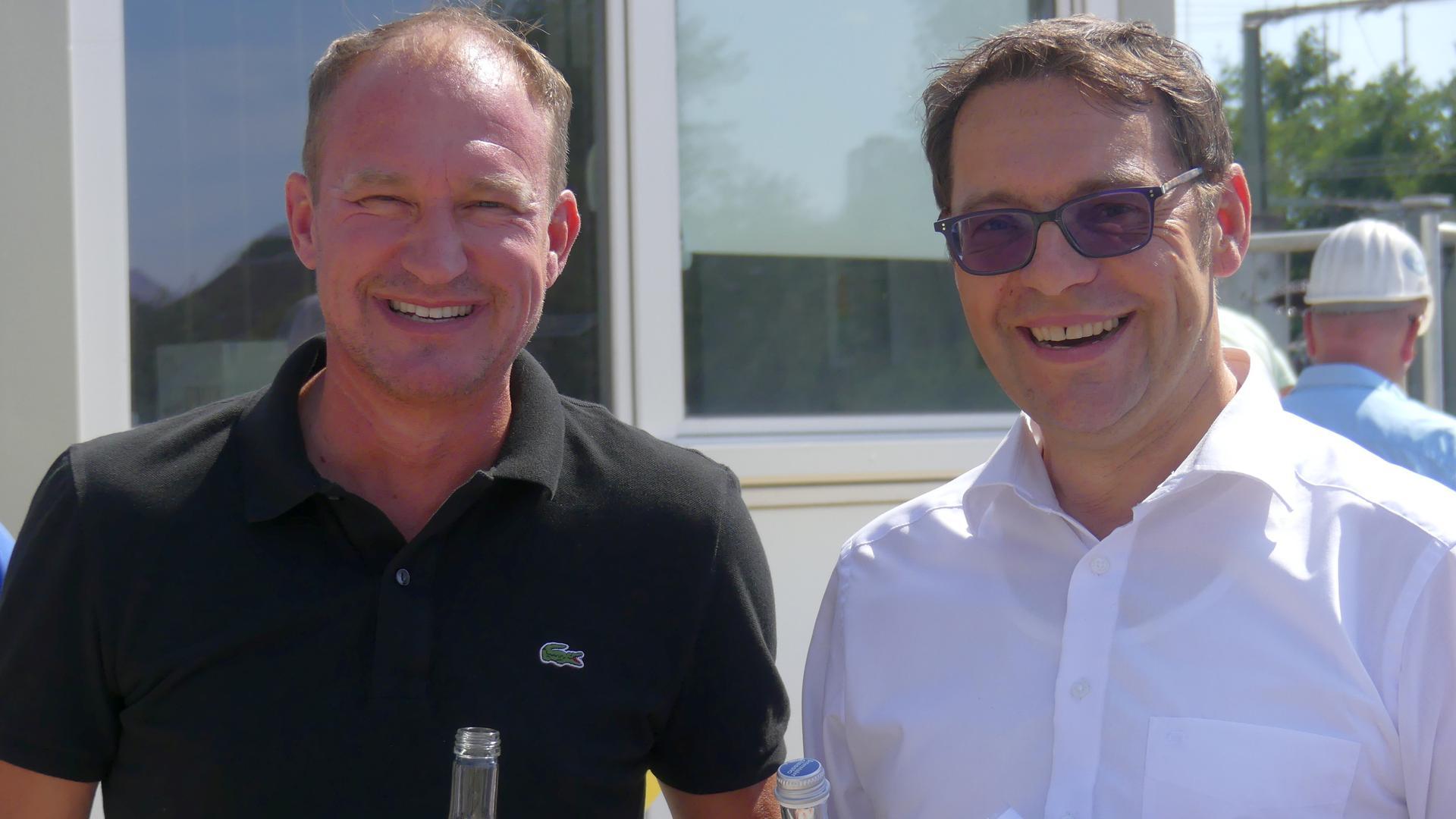 Investor Thomas Mertz und Oberbürgermeister Klaus Muttach (rechts)