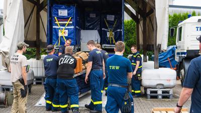 Packen für den Einsatz: Die Einheit brach am Samstagnachmittag auf und erreichte um 20 Uhr den Nürburgring. Am Sonntag wurde das erste Essen ausgegeben.