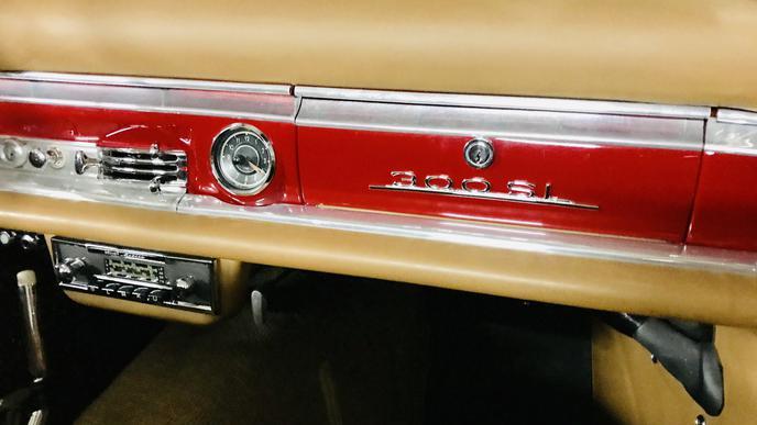 Immer noch schön: Das Armaturenbrett eines Mercedes-Benz 300 SL.