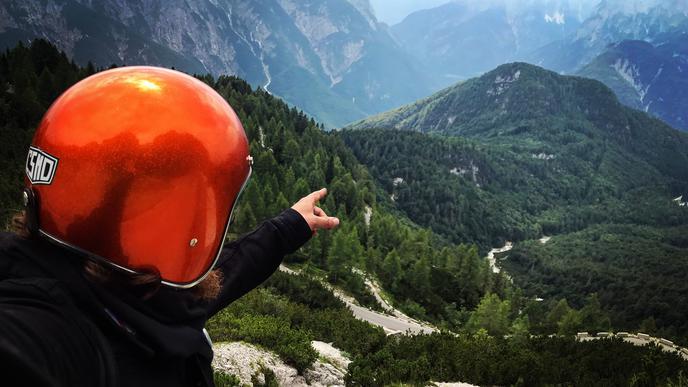 Das Ziel stets vor Augen hatte der Fautenbacher Olli Huber als er mit seinem Mofa die Alpen überquerte.