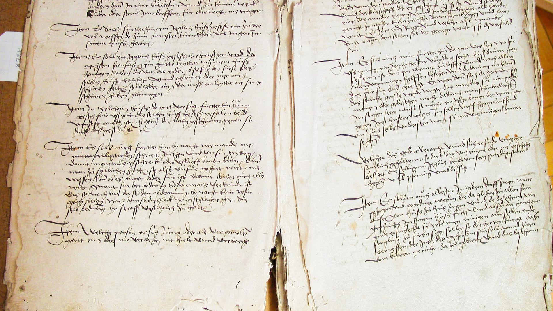 Dorfbuch Niederachern: Wertvolles Zeitzeugnis im Stadtarchiv aus dem Jahr 1492