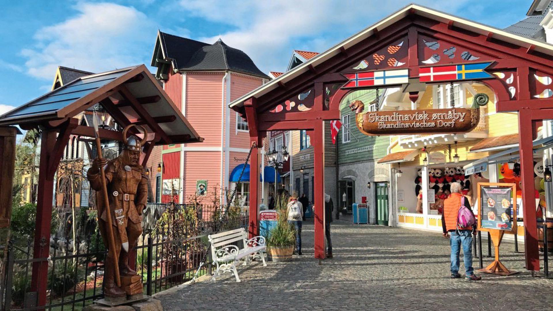 """Der Wikinger begrüßt die Besucher """"Skandinaviens""""."""