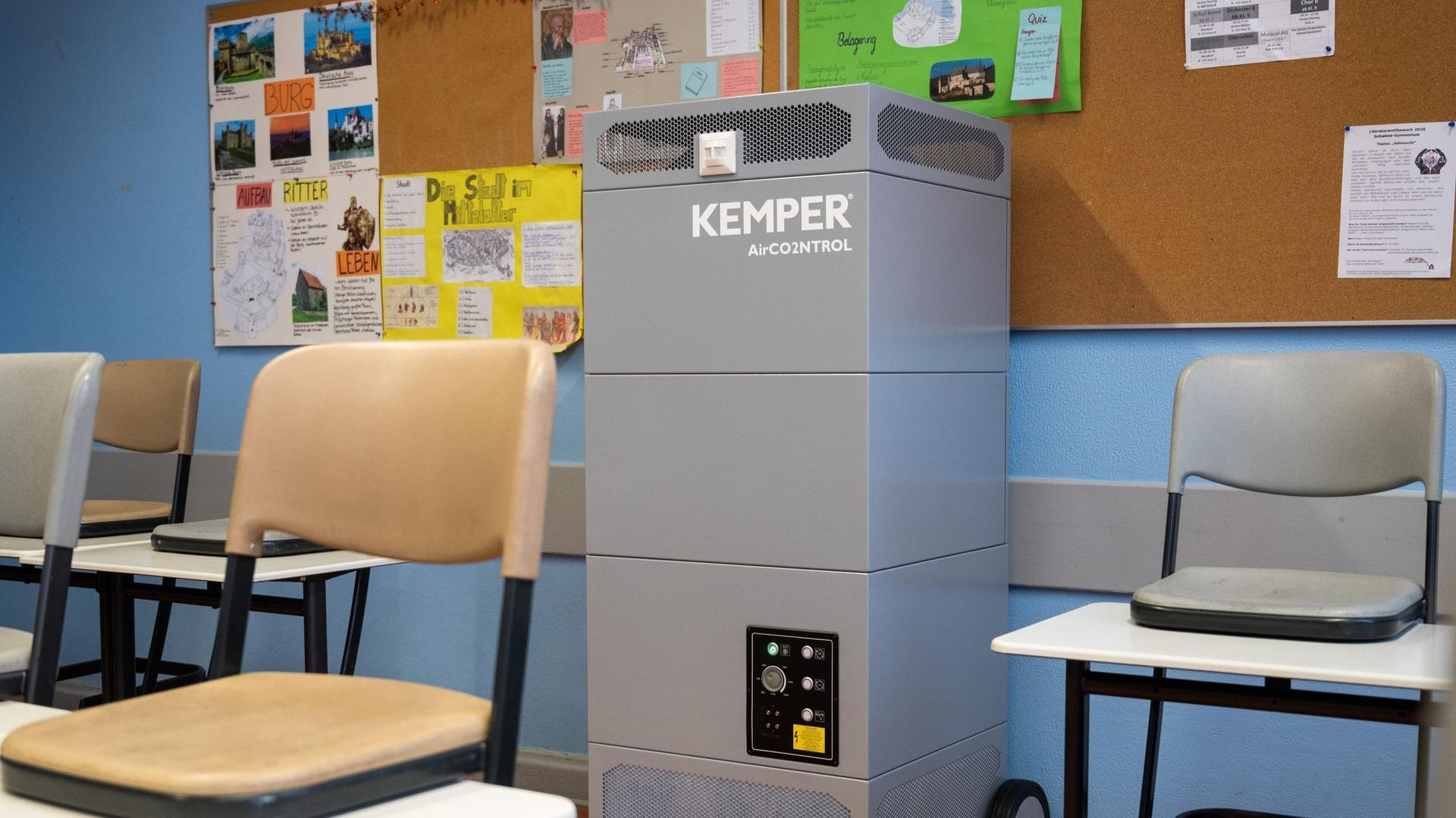 Nicht nur in Schulen gefragt: Luftfiltergeräte finden in der Pandemie reißenden Absatz.
