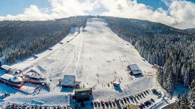 Wenn Schnee liegt, ist das Skigebiet Mehliskopf zwischen Sand und Herrenwies mit seinen vier Liften bei Wintersportlern gefragt.