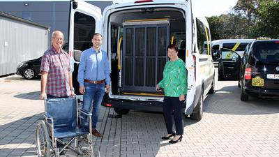 Mark-Antonio Pfeifer von Euro Tours Pfeifer in Waldulm kauft Taxi Huber mit 14 Fahrzeugen in Oberkirch