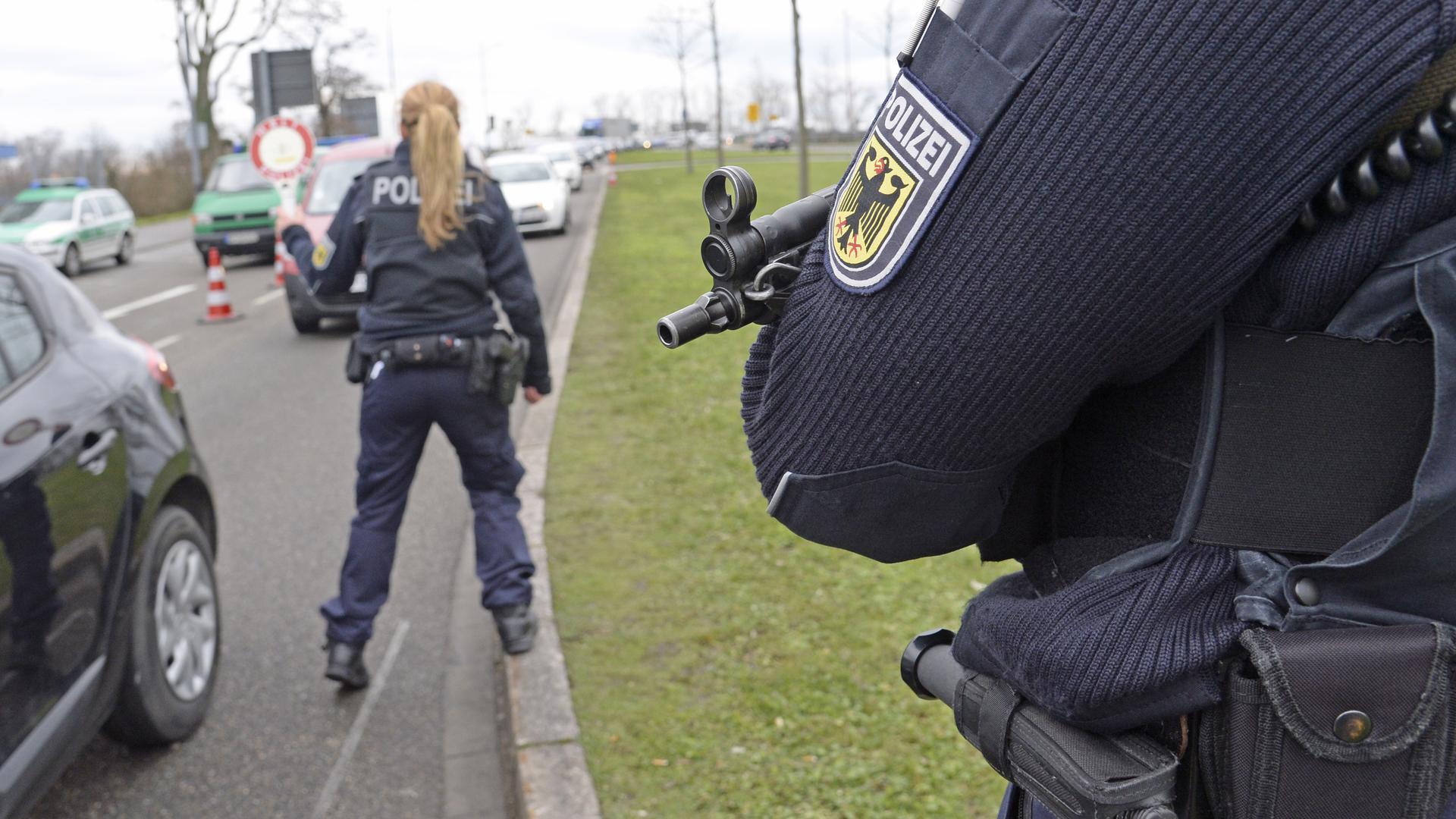 Besondere Grenzlage: Vor allem über die Europabrücke reisen Personen auch ohne gültiges Visum ein. Für diese Fälle wird automatisch ein Verfahren eingeleitet, weshalb in Kehl die Zahl der Verstöße gegen das Asylgesetz hoch ist.