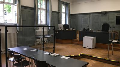 Im großen Sitzungssaal des Amtsgerichts in Kehl mussten sich am Mittwoch, 19. Mai, gleich drei Angeklagte wegen einer Vatertags-Rauferei verantworten.  Foto: Michael Brück