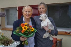 Erfahrene Gastfamilie für psychisch Kranke: Inge und Willi Klumpp mit Hund Gretel aus Altenheim. Zwölf Jahre lang haben sie sich engagiert, nun verabschieden sie sich nach Spanien in den Ruhestand.