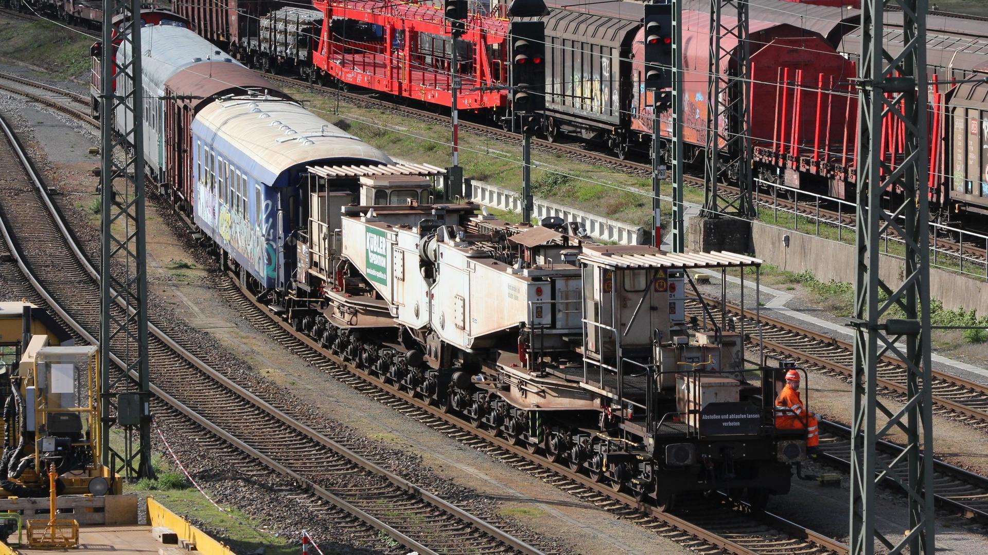 Tragschnabelwagen Trafo Offenburger Bahnhof