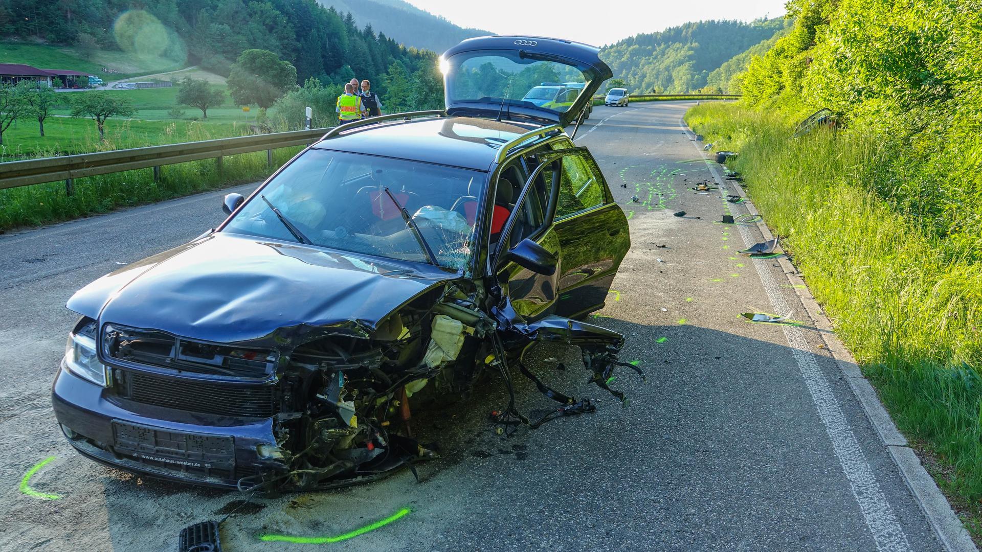 Drei verletzte Autoinsassen sind die traurige Bilanz eines Verkehrsunfalles, der sich am Dienstagabend gegen 18:30 Uhr auf der B28 kurz vor Oppenau ereignete.
