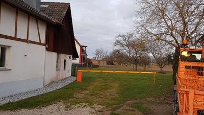 Rheinau: Schranke am Anfang des Wirtschaftsweges