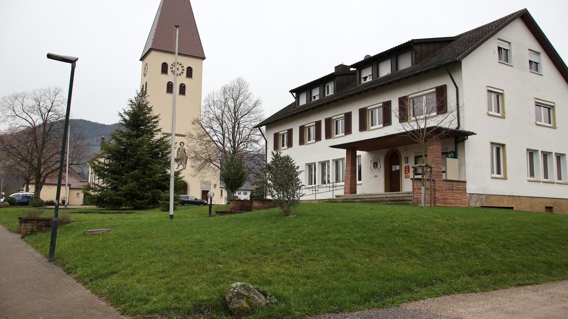 Die Ortsverwaltung in Obersasbach wird abgerissen, hier entsteht der Kindergarten