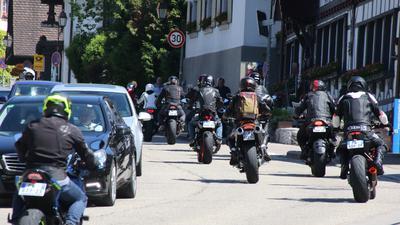 Neue Staatssekretärin bei Initiative Motorradlärm