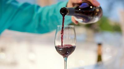 Es wird hierzulande noch viel Wein getrunken.