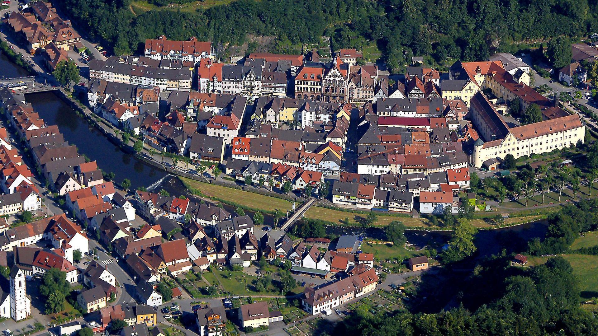 Luftbild der Wolfacher Innenstadt
