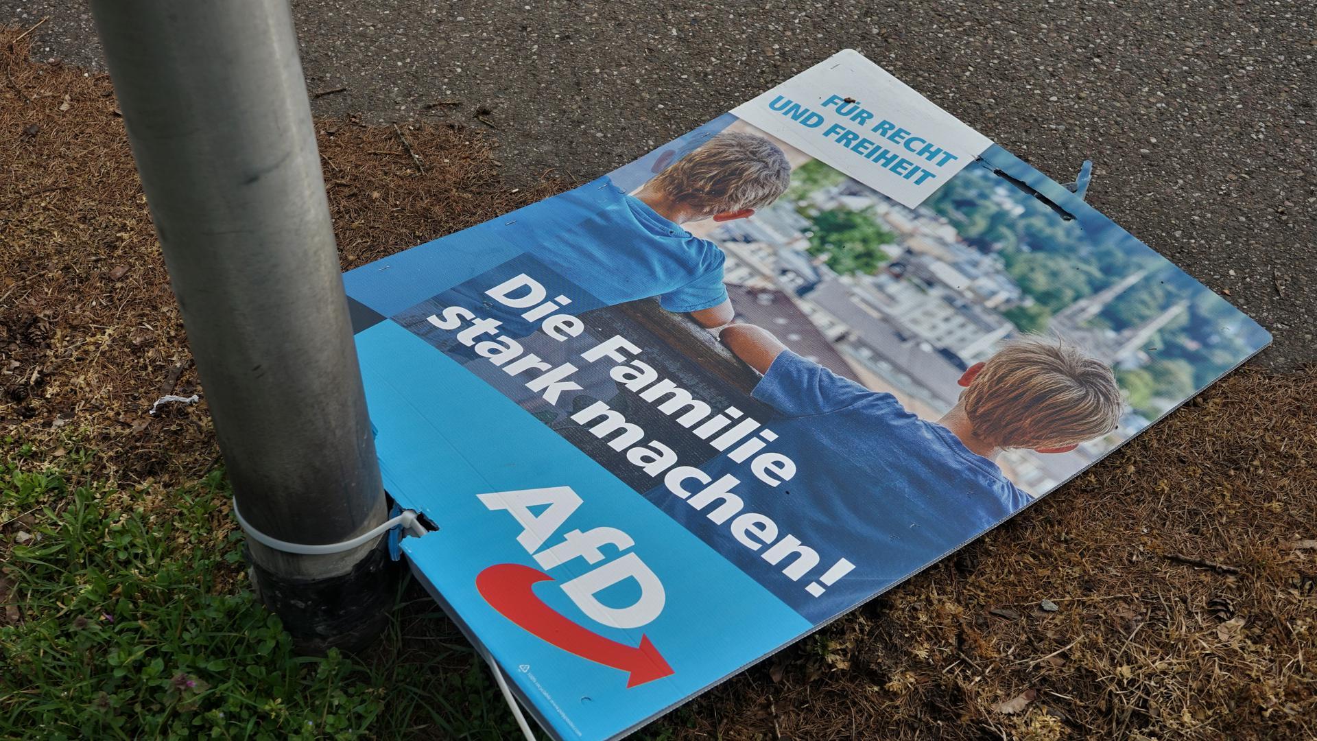 Ein Wahlplakat.