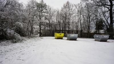 Die Mulden warten schon: Hier am Ortsrand soll der neue Netto-Markt für Ottersdorf entstehen.