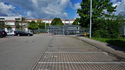 Behindertenparkplätze.