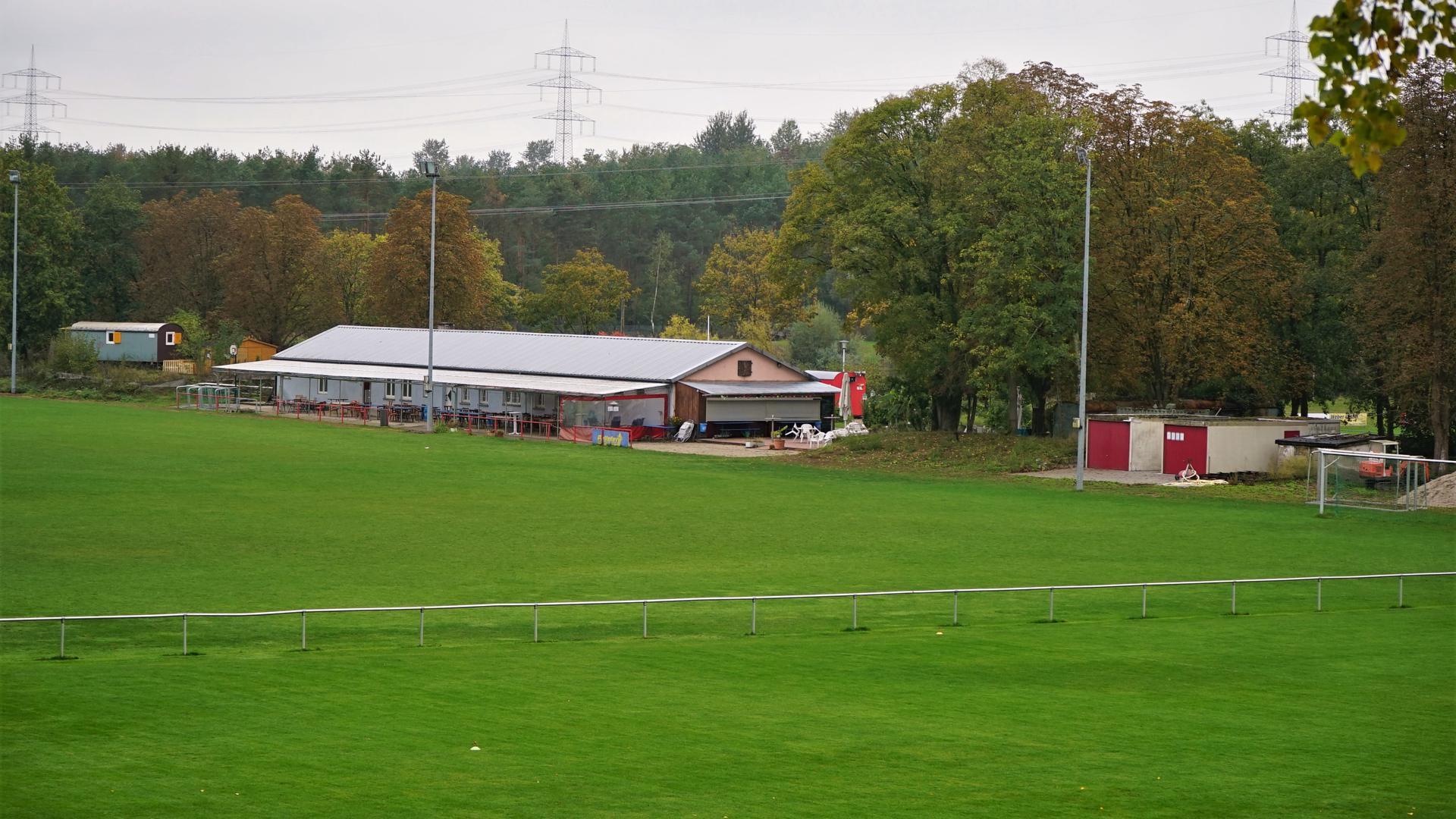 Sportplatz, Clubhaus