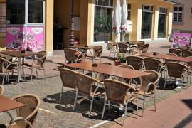 Gähnende Leere vor dem Kebap-Restaurant: Ein einziger Gast hat für diese Woche bei Gül-Kebap reserviert.