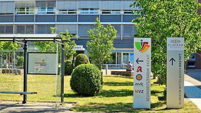 Das Rastatter Klinikum kehrt zurück in den Normalbetrieb – aber nicht in allen Bereichen: Die Geburtshilfestation bleibt geschlossen. Werdende Eltern müssen nach wie vor nach Baden-Baden ausweichen.
